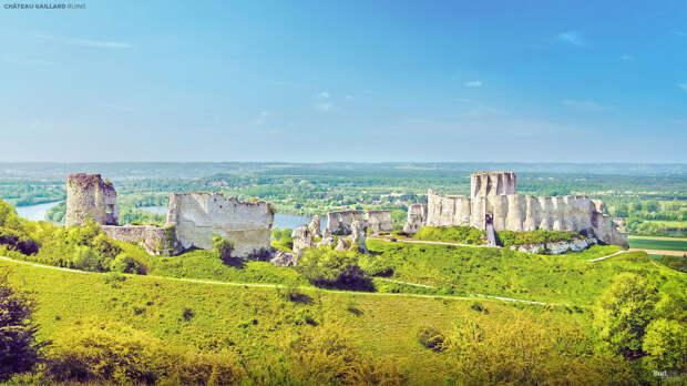 Вот как выглядели европейские замки до того, как превратиться в руины