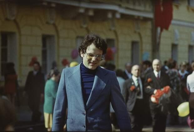 Николай Ерёменко младший на параде 1 мая 1977 года.