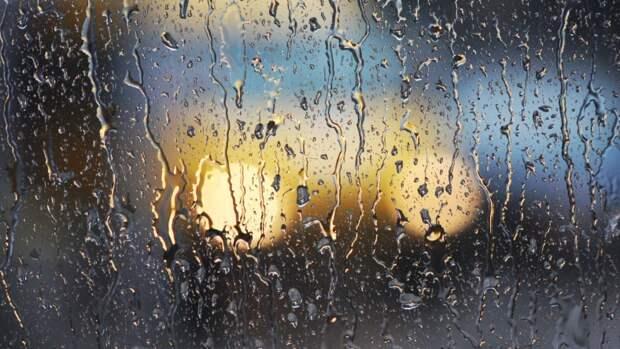 В Крыму продлили непогоду: грозы, ливни и ураганный ветер не желают уходить
