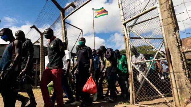 Для борьбы с коронавирусом в Зимбабве из тюрем выпустят часть заключенных