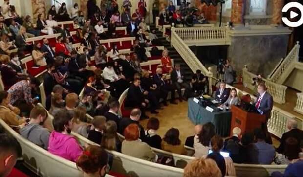 Журналисты медиахолдинга «Экспресс» побывали на крупном международном форуме
