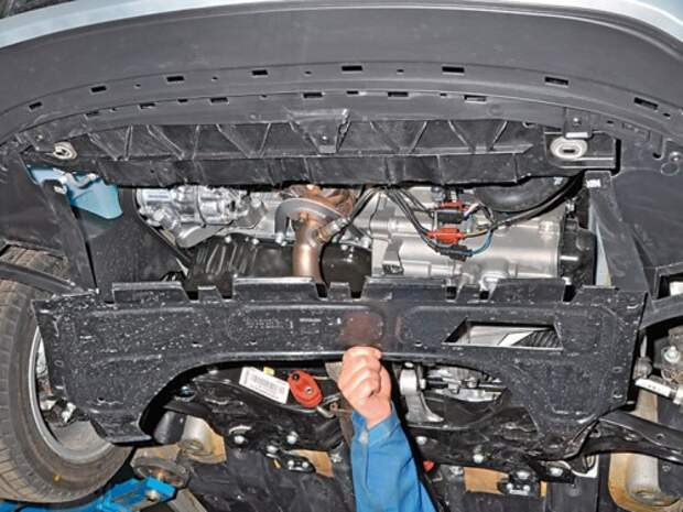 Слив и заправка охлаждающей жидкости двигателя VW Polo седана