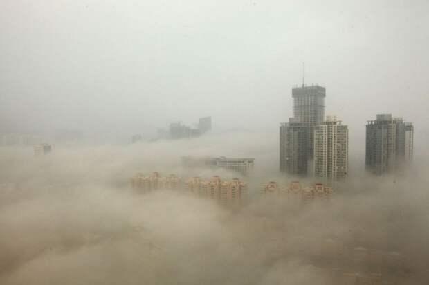 10. Дома в Пекине, окружённые смогом загрязнение, китай, экология