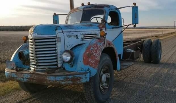 Пробуждение древнего дизеля: редчайший грузовик завели после долгих летпростоя