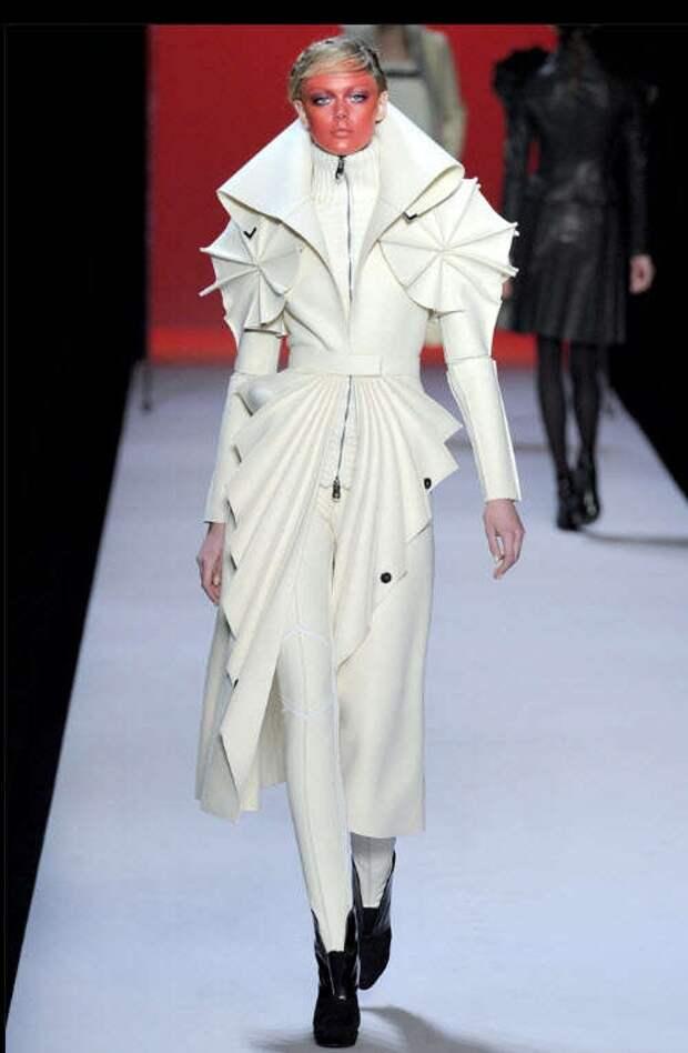 Авангардные пальто