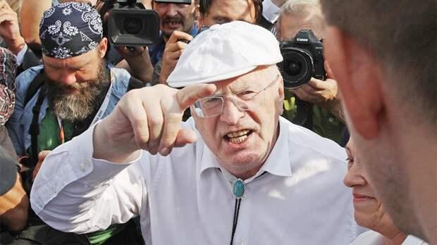 """Вы будете удивлены, кем оказался провокатор, """"избитый"""" Жириновским!"""