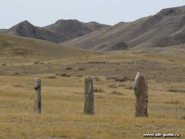 Каменные стелы Уш-Кожээ