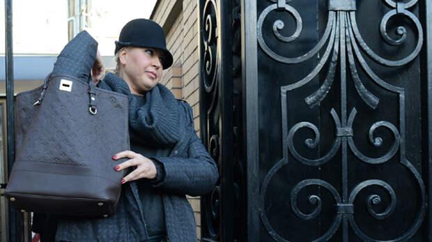 Следователи вернули Евгении Васильевой ее коллекцию картин