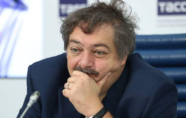 Либерал Дмитрий Быков допился до инсульта и комы