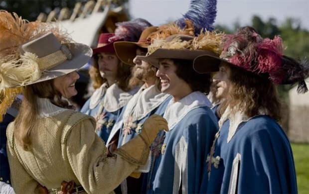 Почему шляпы с перьями были на пике моды в прошлые века, и Какие птицы пострадали от гламура