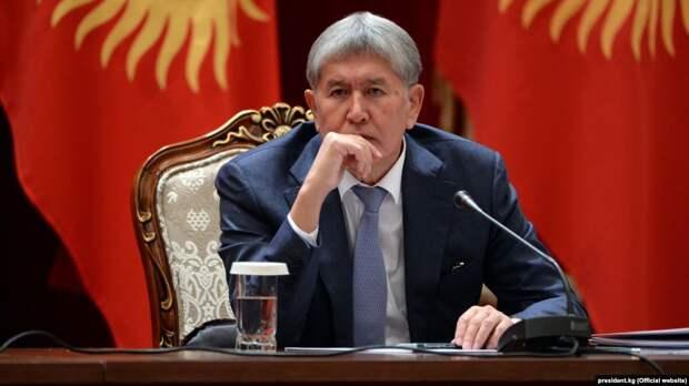 В чем обвиняется экс-президент Кыргызстана Алмазбек Атамбаев