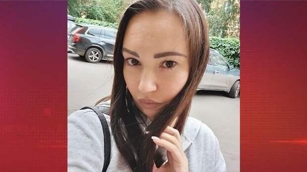 Внучка Конкина обвинила бойфренда мамы в смерти попугая