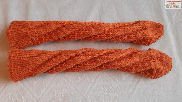 Женские носки «Спираль» спицами