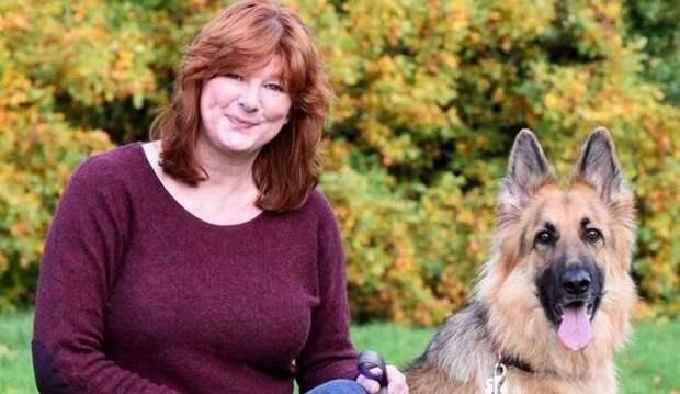 Англичанка засняла в парке призрак с собакой