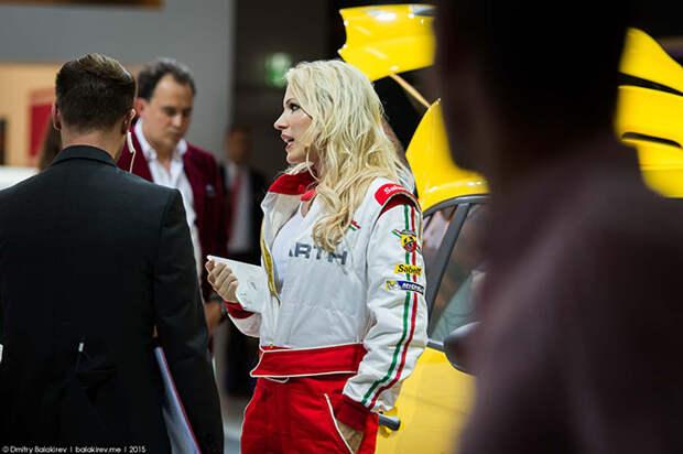 Самые красивые девушки автосалона во Франкфурте