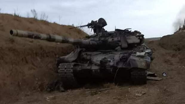 Захваченный армянскими силами азербайджанский танк Т-90 - РИА Новости, 1920, 04.10.2020