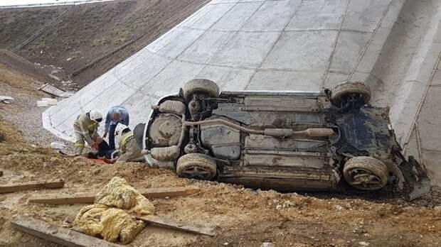 На трассе «Таврида» машина улетела в кювет