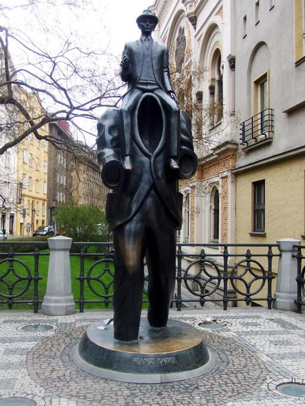 Памятник Францу Кафке, Прага, Чехия, Европа