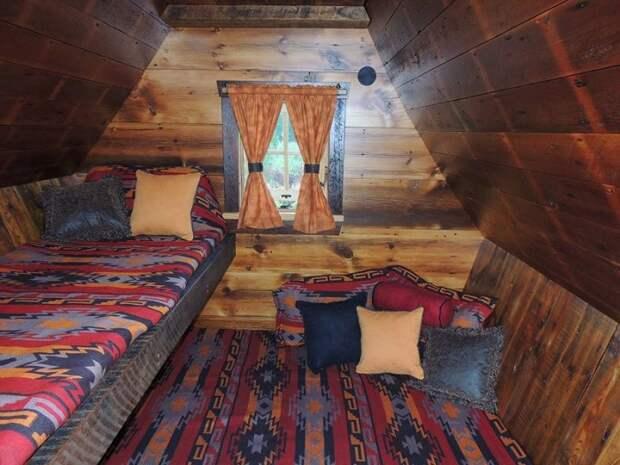 Миниатюрный домик для гостей.