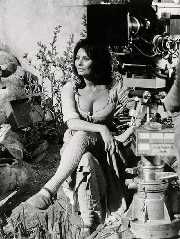 """Софи Лорен на съемках фильма """"Человек из Ла Манчи""""."""