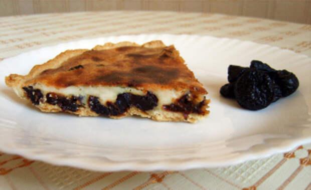 Рецепты приготовления пирога с черносливом и курагой, сметаной и лимоном
