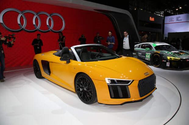 У Audi R8 «сдуло крышу»