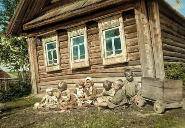 Дореволюционная семья крестьян Российской империи: 9 уникальных цветных снимков
