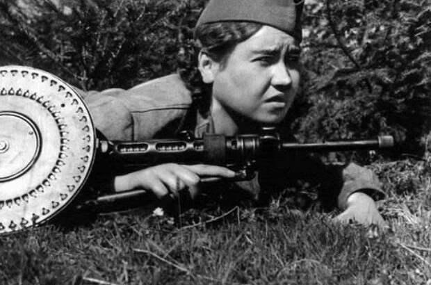 Маншук Маметова и другие опасные советские женщины