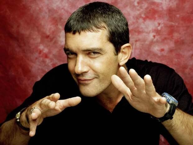 Парфюмер, футболист, винодел... 10 фактов из жизни Антонио Бандераса