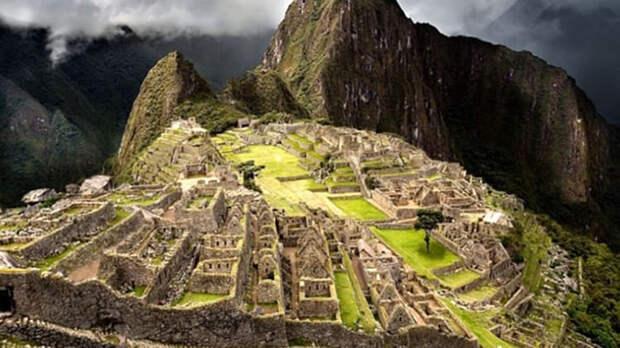 Древний город майя - Чичен-Ица.