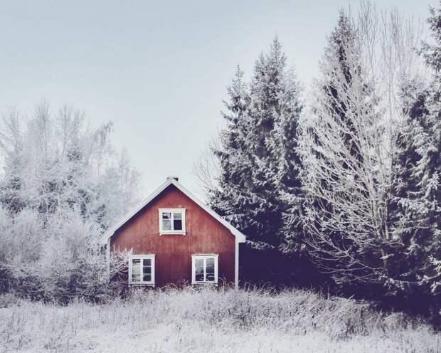 zabroshennye-udalennye-doma-za-severnym-polyarnym-krugom-fotograf-Britt-Mari-Bay_4