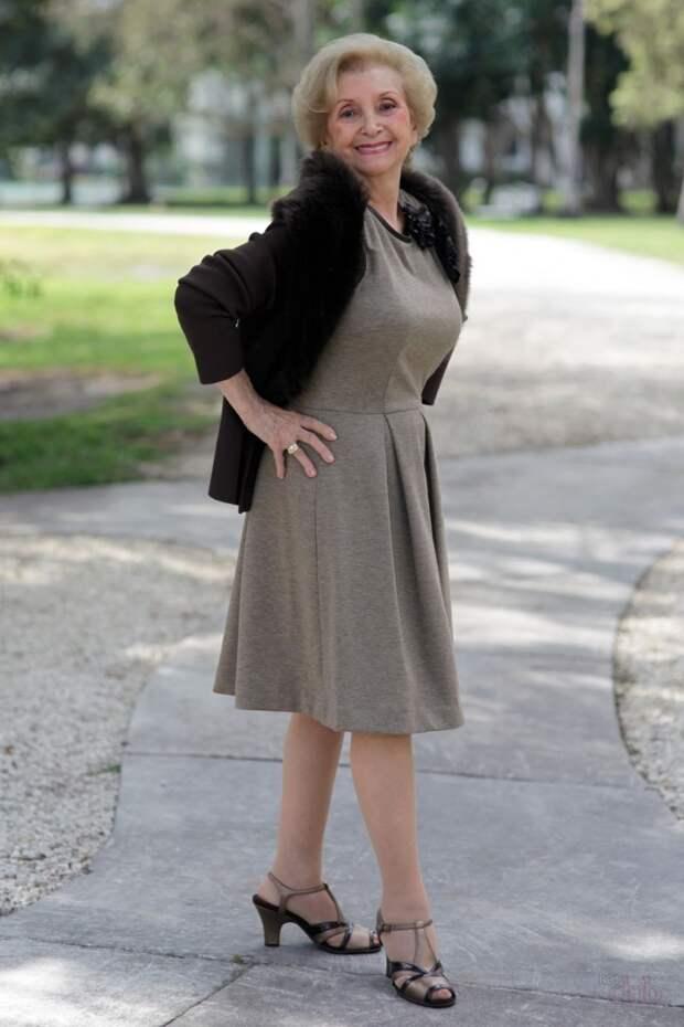 Модная и стильная женщина
