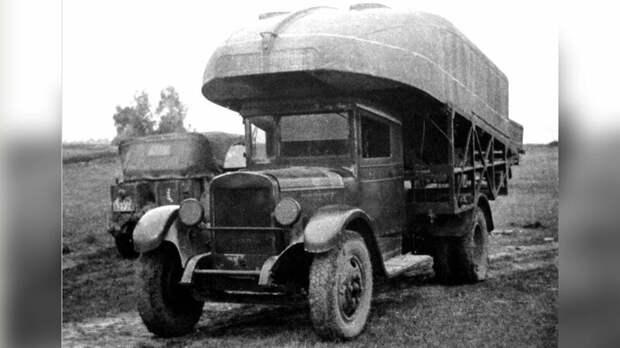 Основная машина «литер А-1» парка Н2П-32 с носовым полупонтоном (из архива J.Vollert) авто, автоистория, военная техника, история, переправа, понтон, понтонно-мостовая переправа