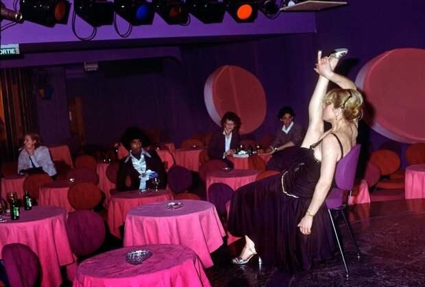 Стрип-клубы района Пигаль — злачное дно Парижа 70-х