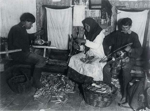 Изготовление деревянных ложек.