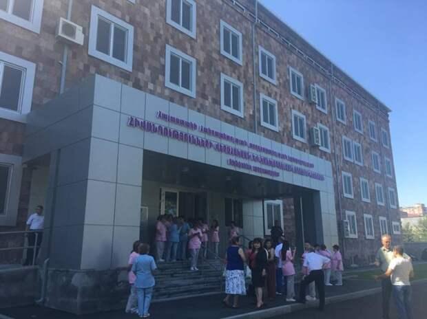 Военные вирусологи США начинают эксперименты в Армении