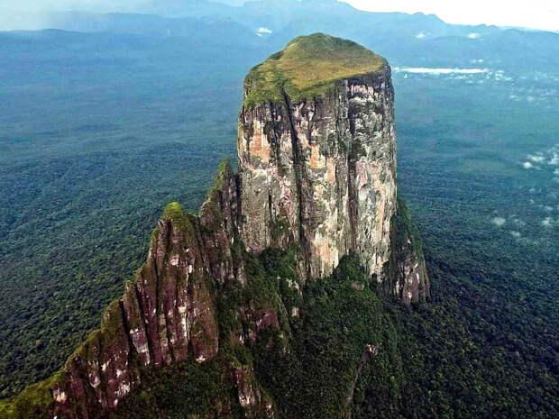 Затерянный мир на вершине столовой горы Сарисаринама