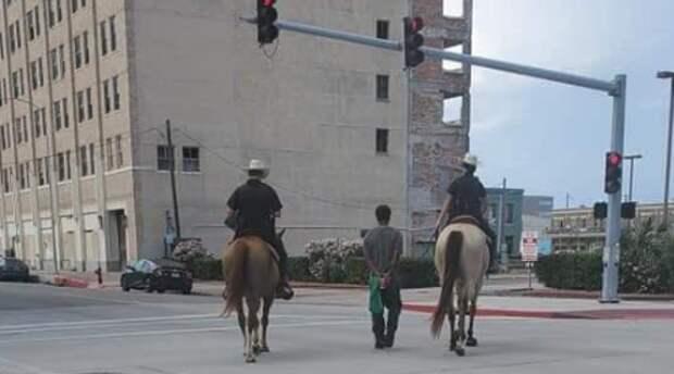 Жестокая генетическая память: полицейские Техаса привязали черного веревкой и волокли по улице сша, рабство, сегрегация
