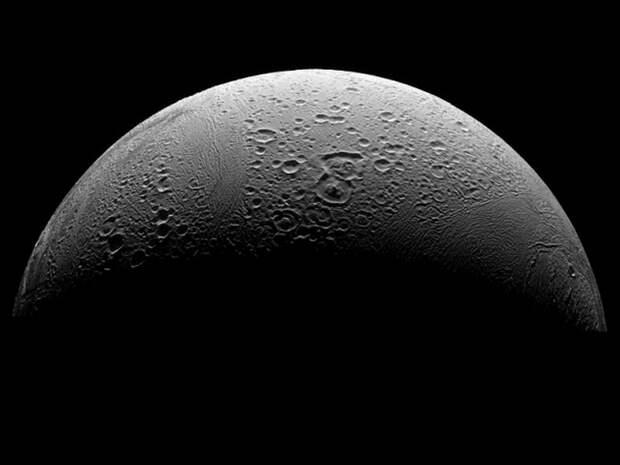 Энцелад: близнец Хота