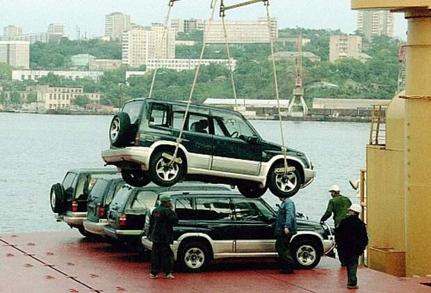 Росстандарт выявил автомобили, ввезенные в Россию без документов