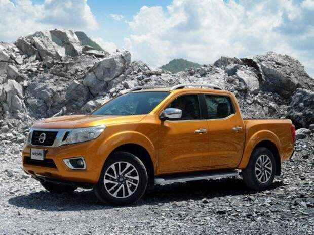nissan_np300_navara_double_cab_th-spec_2