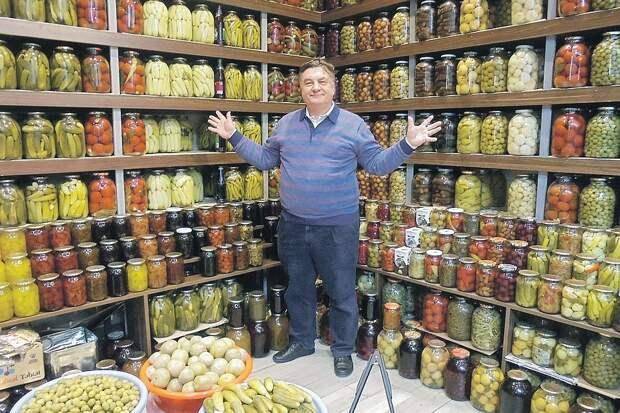 Андрей Туманов: «В любой непонятной экономической ситуации делай запасы.  Успеешь посеять в марте - и голодные зимы не страшны». Фото: Личный архив