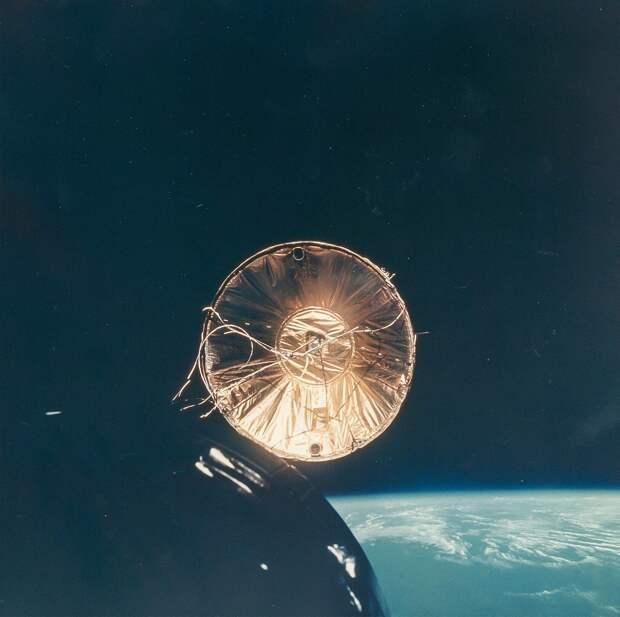 1965, декабрь. Отражение солнечного света