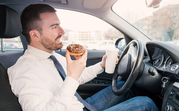 Еда с алкоголем: список опасных для водителя блюд