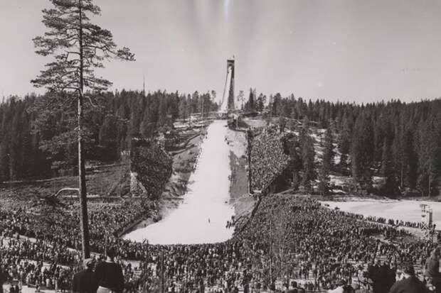 Holmenkollen-fra-slutten-av-1940-aarene