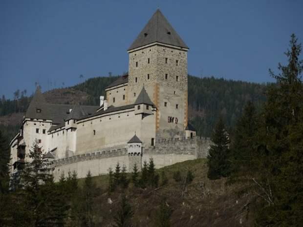 Замок Моосхам, Австрия история, мистика