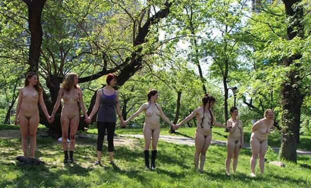 В США пьесу Шекспира поставили обнаженные актрисы