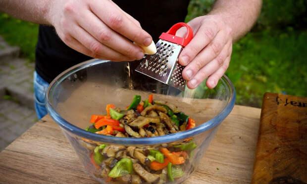 Топовые закуски к идеальному шашлыку