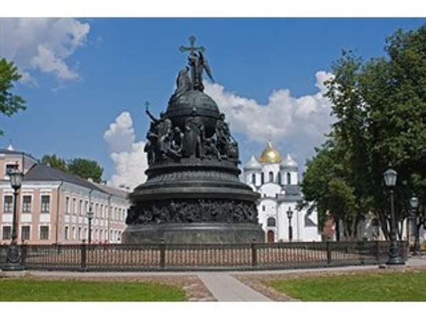 Нужен ли России праздник Дня государственности?