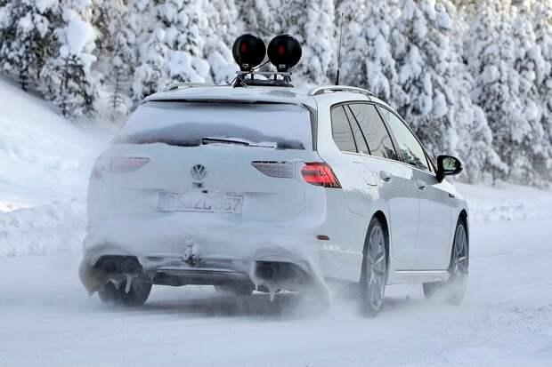 VW больше не беспокоит маскировка нового Golf R Estate